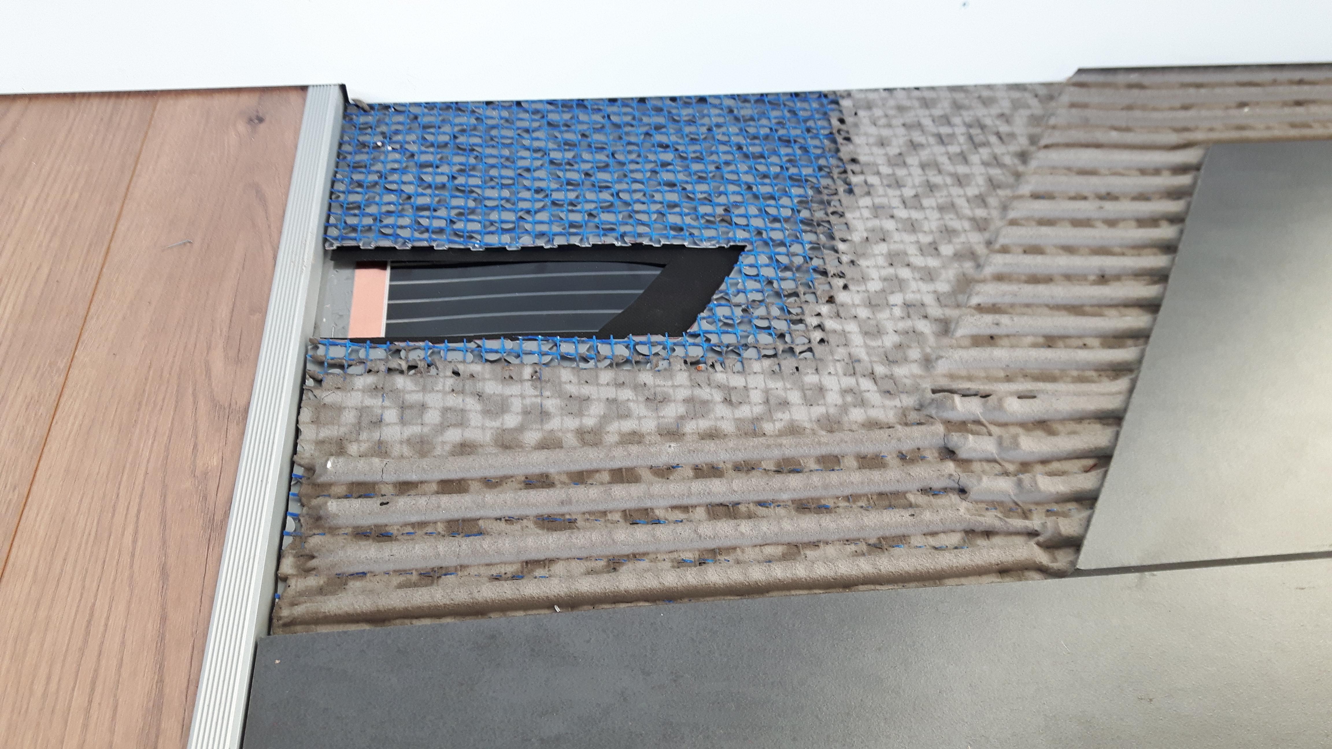 Vloerverwarming Badkamer Elektrisch : Karbonik elektrische vloerverwarming